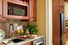 sierra-vista-maple-cognac-butlers-pantry